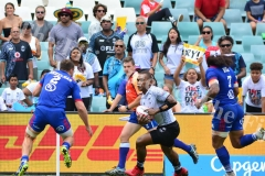 Eroni Sau on attack against USA in the Cup quarter final match during HSBC World Sevens Series Sydney 7s tournament at the Allianz Stadium on Sunday, January 28, 2018. Picture-JONACANI LALAKOBAU